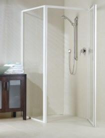 Sill-less shower screen